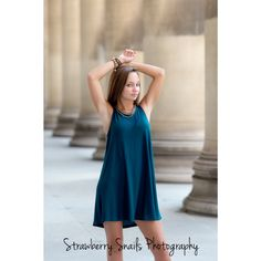 Beautiful Senior in Pittsburgh's Oakland area. Great Senior Pose. Strawberry Snails Photography. Pittsburgh Senior Photographer.