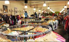 Fab vintage shopping guide for Hamburg. Kleidermarkt in Altona.