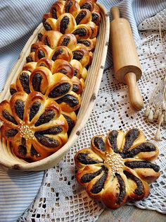 Indulgy - Everyone deserves a perfect world! Yeast Bread Recipes, Baking Recipes, Cookie Recipes, Hungarian Desserts, Hungarian Recipes, Sweet Pastries, Bread And Pastries, Russian Pastries, Albanian Recipes