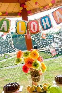 Hawaiian Farewell Luau! - Kara's Party Ideas - The Place for All Things Party