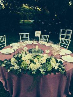 Espectacular el centro de mesa presidencial by #floreale #estamosdboda en el @palacioelrincon @Tamara_Falco_