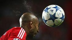 Benfica vence Galatasaray e fica a dois pontos dos 'oitavos' da Liga dos Campeões