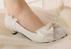Cheap fashion heels, Buy Quality heels fashion directly from China low heels Suppliers: 2017 new fashion Handmade lace flower decoration wedding shoes rhinestone pearl bow bridal shoes bridesmaid shoes low heel Lace Bridal Shoes, Best Bridal Shoes, Wedding Shoes Bride, Ivory Wedding, Elegant Wedding, Wedding Ring, Wedding Dresses, White Flat Shoes, Blue Shoes