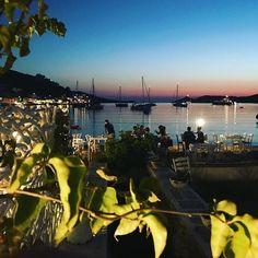 #kea #tzia #cyclades #sunset #greece #visitgreece #paradise #greekislands #vacations #travel #greecetravelgr1_ #travelpics #paradiseonearth #holiday #dreamplace #happyness #κυκλαδες #ελλαδα #τζια #κεα #istrofitoumimi @istrofitoumimi @cyclades_islands Opera House, Photo And Video, Concert, Building, Travel, Instagram, Viajes, Recital, Buildings