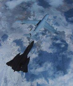 KC 135 feeding an SR71