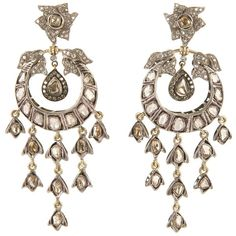 Petralux vintage chandelier earrings ($4,950) ❤ liked on Polyvore featuring jewelry, earrings, accessories, jewels, joias, metallic, earring jewelry, chandelier jewelry, vintage earrings and vintage jewellery