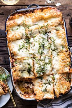 Pesto Bolognese Lasagna - This is the classic lasagna updated with an easier method and so much more flavour. Easter Dinner Recipes, Beef Recipes For Dinner, Cooking Recipes, Lasagna Recipes, Budget Recipes, Best Ground Beef Recipes, Dinner With Ground Beef, Half Baked Harvest, Pasta Dishes