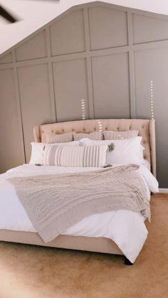 Modern Bedroom Decor, Bedroom Decor For Couples, Room Design Bedroom, Home Bedroom, Modern Decor, Bedroom Inspo, Living Room Decor, Studio Apartment Layout, Apartment Ideas