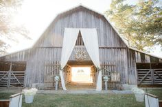 Fall Wedding in Tennessee with ceremony in front of an old barn. So rustic and beautiful! Glitz Bridal, Fall Weather, Barn Wood, Dream Homes, Fall Wedding, Tennessee, Wedding Venues, Rustic, Vacation