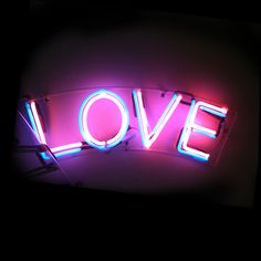 'LOVE' NEON SIGN ๑෴MustBaSign෴๑