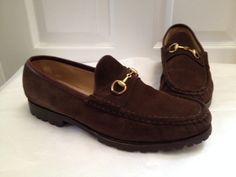 Gucci Brown Suede Loafers Sz 10.5 Flats. Get the must-have flats of this season! These Gucci Brown Suede Loafers Sz 10.5 Flats are a top 10 member favorite on Tradesy. Save on yours before they're sold out!