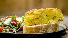 Aardappeltortilla met lauwe salade | VTM Koken My Kitchen Rules, Vinaigrette, Tapas, Sandwiches, Lunch, Food, Life, Salad, Lasagna