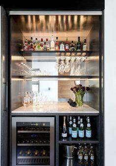 Modern Home Bar Designs, Modern Kitchen Design, Interior Design Kitchen, Home Bar Rooms, Home Cinema Room, Home Bar Cabinet, Drinks Cabinet, Home Cocktail Bar, Petits Bars