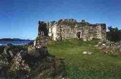 Castle Sween http://www.kilvicocharmaig.yk.net/hcastlesween.html