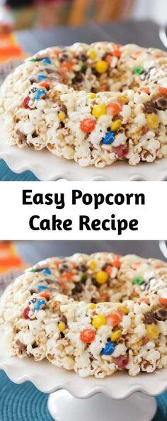 Popcorn Cake is a classic dessert of popcorn, candy, marshmallows molded in bund. Make Ahead Desserts, Easy No Bake Desserts, Xmas Desserts, Popcorn Cake, Popcorn Balls, Yummy Drinks, Yummy Food, Popcorn Recipes, Homemade Popcorn