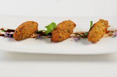 Pastéis de bacalhau (croquettes de morue) Euro, Baked Potato, Potatoes, Chicken, Baking, Ethnic Recipes, Portugal, Food, Cod Fish Cakes