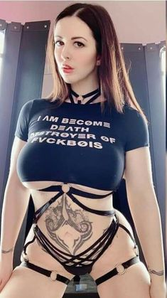 Gothic Girls, Best Funny Pictures, Cheer Skirts, Cosplay, Crop Tops, Cute, Dresses, Women, Rock