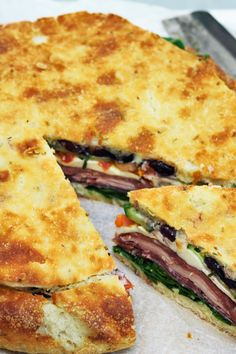 Italiensk picnicbrød Italian Recipes, New Recipes, Snack Recipes, Food To Go, Food And Drink, Milanesa, Easy Dinner Recipes, Easy Meals, Picnic Snacks