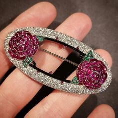 This unique brooch by Lacloche Freres circa uses buff top stones which utilised the 'tallow cutting' technique. Gemstone Brooch, Diamond Brooch, Art Deco Diamond, Art Deco Jewelry, Beaded Jewelry, Fine Jewelry, Jewelry Design, Antique Jewelry, Vintage Jewelry