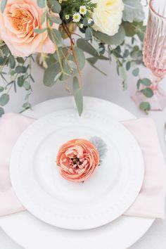 PEACH THEMED SUMMER WEDDING | Bespoke-Bride: Wedding Blog Macaroon Wedding Cakes, Macaroon Cake, Summer Wedding, Wedding Day, Pink Cups, Looks Yummy, Invitation Design, Wedding Blog, Perfect Wedding