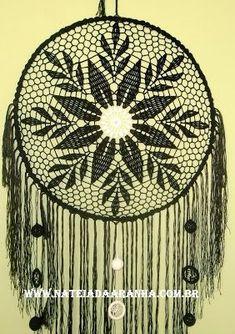 Dream Catcher Mandala, Crochet Dreamcatcher, String Art Patterns, Chrochet, Suncatchers, Art Pictures, Doilies, Wind Chimes, Projects To Try
