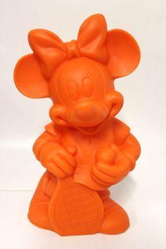Dekolampe Minnie Mouse in der Farbe Orange der Fa. Heico  Abmessung ca. H=35 cm B=21 cm T=16,5 cm Beleuchtung 230 V 50 Hz E14 max 10 Watt CE Kabel Weiß Neuware, Lieferung ohne Leuchtmittel !