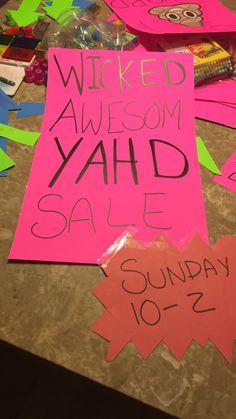 Yard sale signs new Yard Sale Signs, For Sale Sign, Garage Sale Organization, Yard Sales, Show Me The Money, Visual Merchandising, Crafts, Ideas, Manualidades
