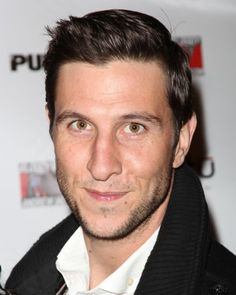 Pablo Schreiber.  Holy smokes. New love interest in Weeds.  Makes me sweat.