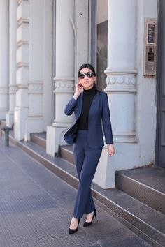 Petite Interview Suit / Professional Outfit professional navy suit for interview outfit in banking accounting finance law Business Professional Outfits, Business Casual Outfits, Business Attire, Office Outfits, Classy Outfits, Work Outfits, Professional Women, Work Attire, Outfit Work