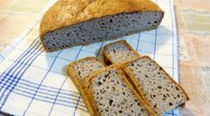 pohankovy chleb1 Gluten Free Diet, Cooking Light, Ham, Treats, Food And Drink, Baking, Recipes, Invite, Table