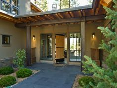 HGTV Dream Home 2014 : Front Porch Pictures