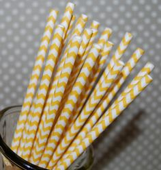 Chevron Straws  Yellow  25 paper straws & Flags  by isakayboutique