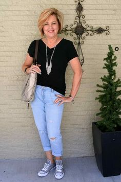 Is not old casual spring outfit black t-shirt and jeans fashion over for the everyday woman Fashion For Women Over 40, 50 Fashion, Look Fashion, Trendy Fashion, Fashion Trends, Jeans Fashion, Lifestyle Fashion, Fashion Ideas, Fashion Spring