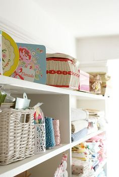 I just love looking at this pretty blog and craft room.