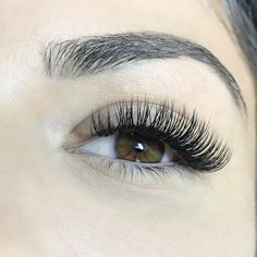 Is this a full volume set? - October 05 2019 at Fake Lashes, Mink Eyelashes, Natural Fake Eyelashes, Feather Eyelashes, Perfect Eyelashes, Eyelash Extensions Styles, Volume Lash Extensions, Eyelash Sets, Applying Eye Makeup