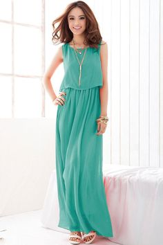 Green Overlay Sleeveless Chiffon Maxi Dress features flowy chiffon fabric. Long-length cut make you look even taller and add more grace elements. Details: - Solid color - Overlay top - Sleeveless - Fa