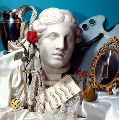 Audrey Flack - Photorealism or Superrealism Still Life Photography, Art Photography, Photography Basics, Fashion Still Life, A Level Art, Gcse Art, Photorealism, Vanitas, American Artists