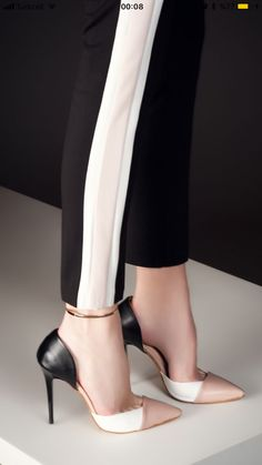 Wonderful Sexy Shoes For Your Best Moment Ideas Discover More: www.theprodu… Wonderful Sexy Shoes For Your Best Moment Ideas Discover More: www.theproductgui… Popular Sexy Shoes For Women Pretty Shoes, Beautiful Shoes, Cute Shoes, Black High Heels, Black Shoes, Shoe Boots, Shoes Heels, Women's Fashion Leggings, Pumps