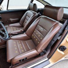 This Gold Custom Porsche Is Sex On Wheels - Airows Porsche 356 Outlaw, Porsche 911 Targa, Porsche Cars, Singer Porsche, Racing Seats, Car Seats, Porche 911, Custom Porsche, Vw Beetles