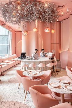 Meet Le Blossom, a Japanese restaurant in Montreal designed by Ménard Dworkind architecture & design, that is sure to steal your heart. Come on a journey with us through the incredible interior design of this Japanese restaurant in Montreal. Schönheitssalon Design, Cafe Design, Store Design, Design Ideas, Pink Design, Design Styles, Design Inspiration, Colorful Interior Design, Restaurant Interior Design