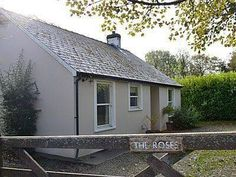 The Roses Cottage Llys-y-Fran The Roses Cottage is a holiday home with a garden, situated in Maenclochog. It provides free private parking.  The unit is equipped with a kitchen. A TV and DVD player is featured. There is a private bathroom with a bath or shower.