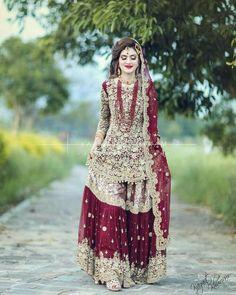 Bridal Mehndi Dresses, Asian Wedding Dress, Pakistani Wedding Outfits, Bridal Dress Design, Indian Bridal Fashion, Wedding Dresses For Girls, Pakistani Wedding Dresses, Pakistani Dress Design, Bridal Outfits