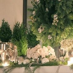 Looking for some Christmas inspo... love all the greenery..#christmas #christmasinspiration #christmasoninstagram #wreaths #candles