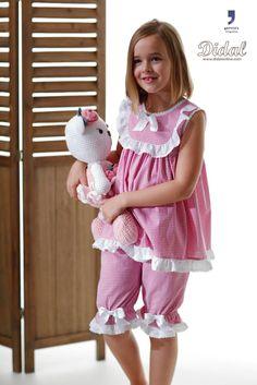 "Camisón modelo ""Rocio"" Toddler Sewing Patterns, Baby Girl Dress Patterns, Baby Dress Design, Sewing Kids Clothes, Girls Night Dress, Dresses Kids Girl, Kids Outfits, Kids Nightwear, Girls Sleepwear"