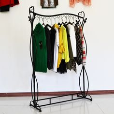 Wrought iron clothes rack store display goods shelf hanger black white shelf tan loading clothes fall to the ground