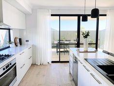 Dream Apartment, Apartment Kitchen, Diy Room Decor, Bedroom Decor, Home Decor, House Viewing, Minimalist Kitchen, Interior Design Kitchen, Home Renovation