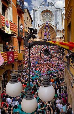 Colla Jove Xiquets de Tarragona 'Castellers' building human tower, a Catalan tradition Festa de Santa Tecla, city festival Placa de les Cols Tarragona, Catalonia