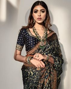 Indian Attire, Indian Wear, Indian Outfits, Indian Clothes, Indian Style, Sari Blouse Designs, Saree Trends, Indian Bridal Fashion, Saree Look