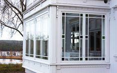 Påbygg i sveitserstil – Bergene Holm Blogg Construction, Windows, Architecture, Interior, House, Building, Arquitetura, Indoor, Home