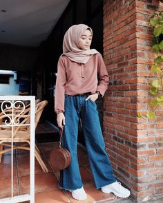 7 Confident Cool Ideas: Fashion Jeans Blazer fashion plus size black. 7 Confident Cool Ideas: Fashion Jeans Blazer fashion plus size black.Fashion Tips Clothes tall fash Street Hijab Fashion, Modern Hijab Fashion, Hijab Fashion Inspiration, Muslim Fashion, Modest Fashion, Hijab Fashion Style, Korean Fashion, Hijab Casual, Ootd Hijab